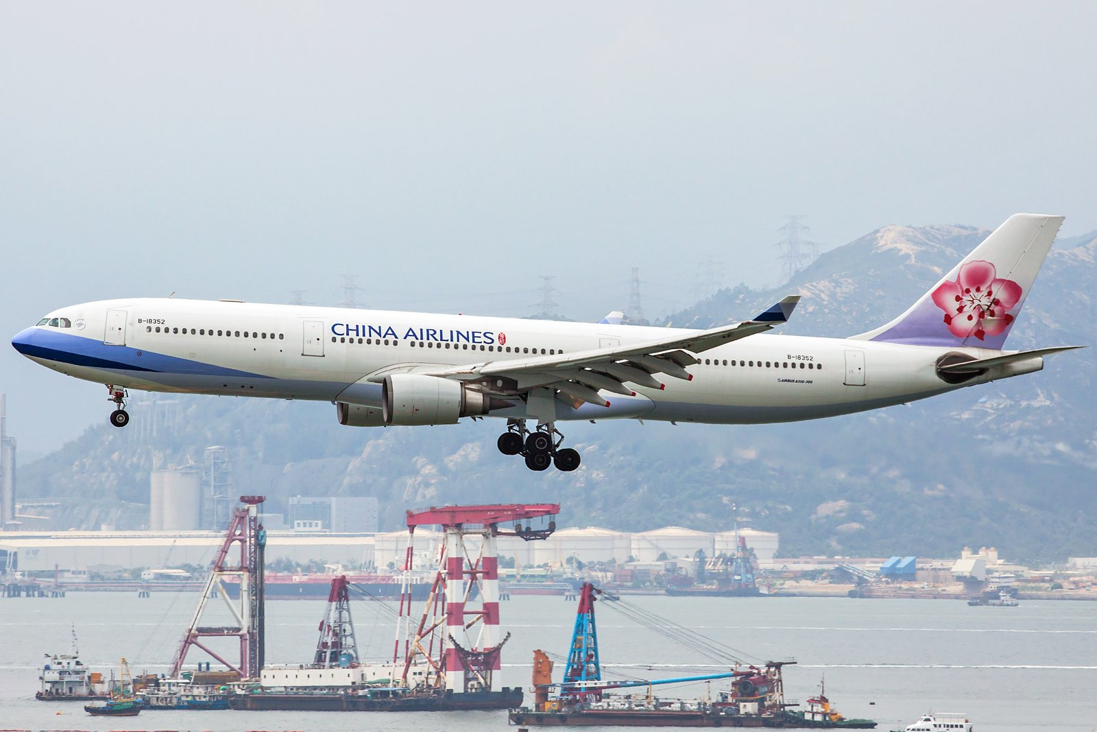 China Airlines Airbus A330-302 B-18352