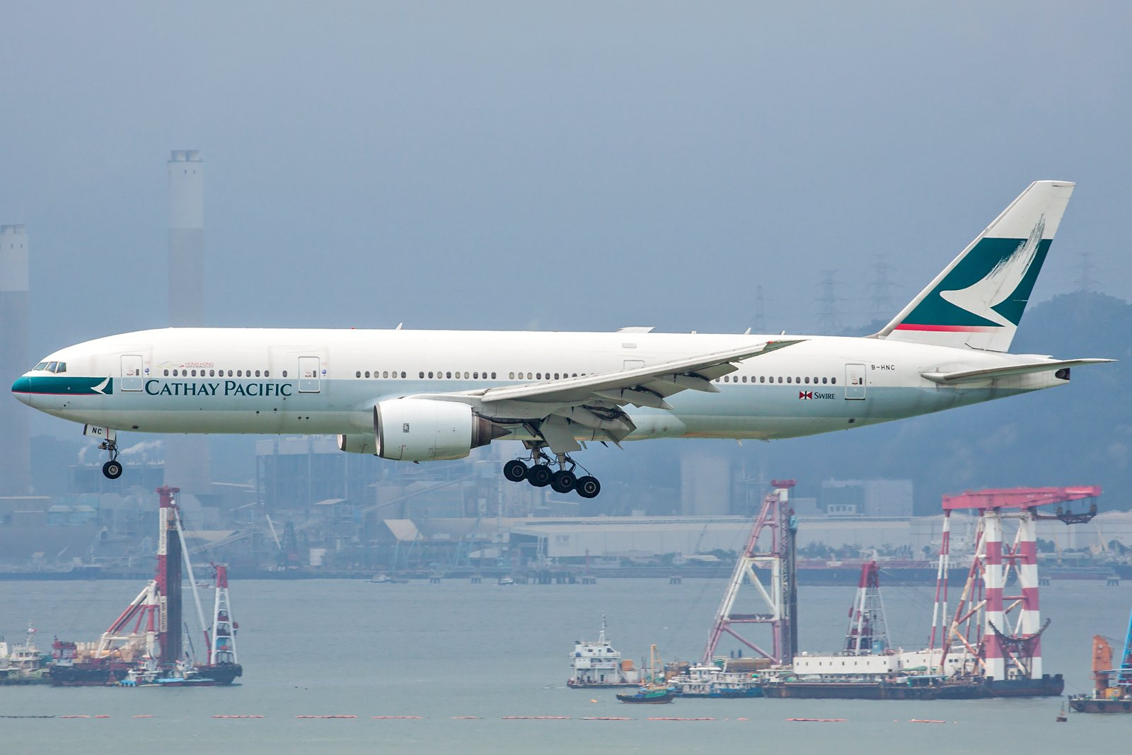 Cathay Pacific Boeing 777-267 B-HNC