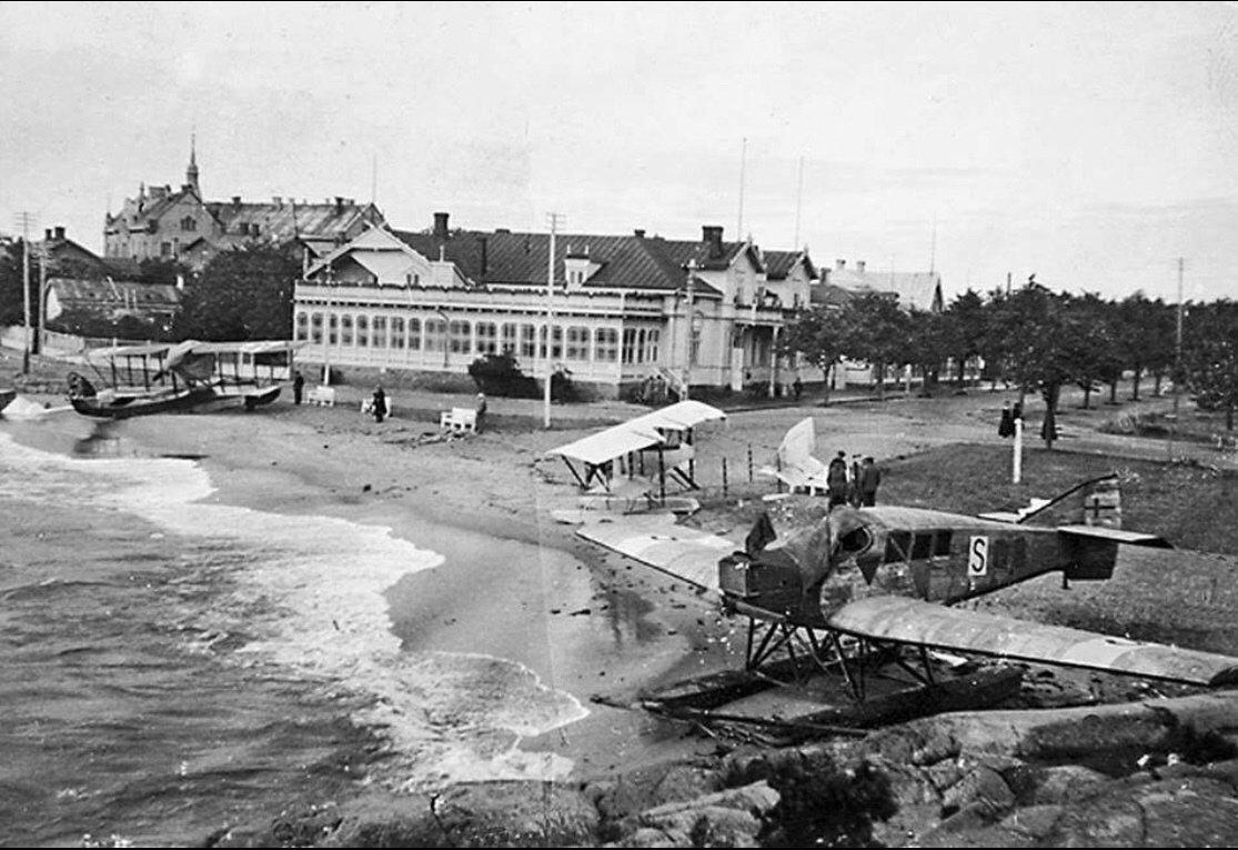 Vesikoneita Hangossa 1920?.jpg