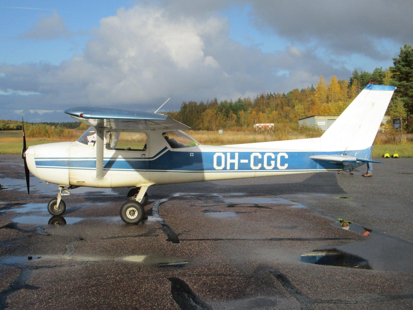 Reims/Cessna F150M, OH-CGC EFHN 2019-10-11