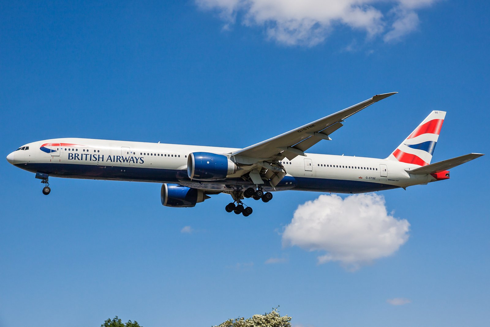 British Airways Boeing 777-36N(ER) G-STBE