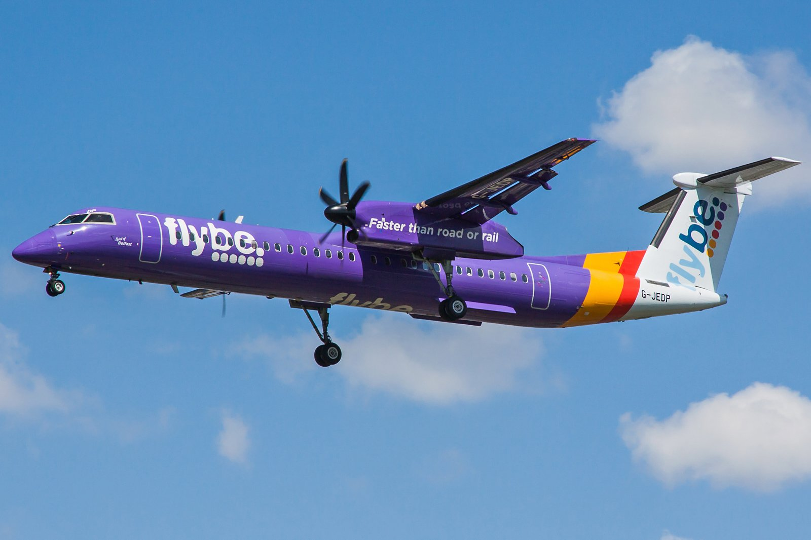Flybe Bombardier DHC-8-402Q Dash 8 G-JEDP