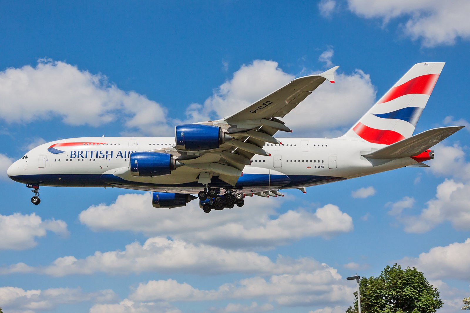 British Airways Airbus A380-841 G-XLED
