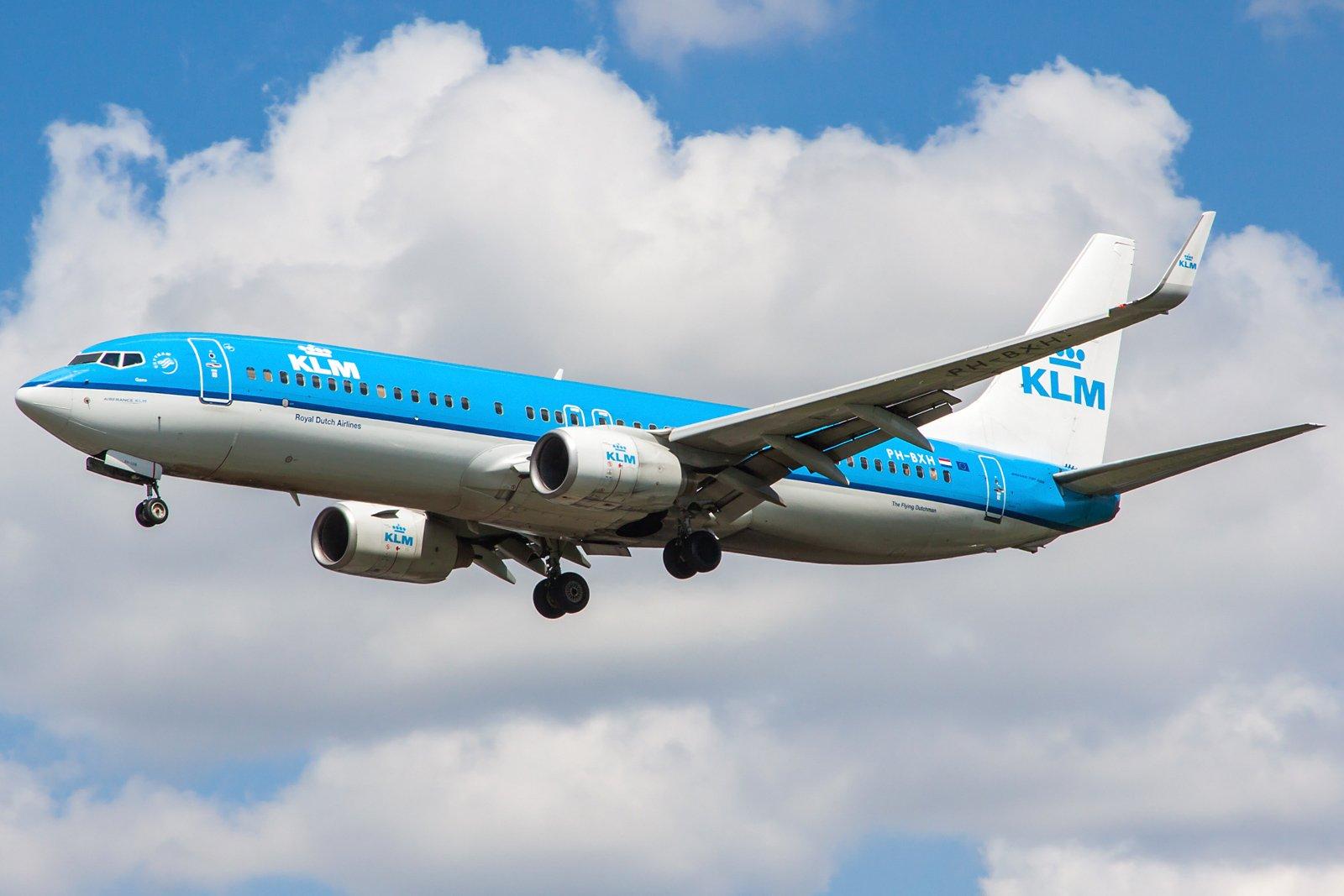 KLM Royal Dutch Airlines Boeing 737-8K2(WL) PH-BXH