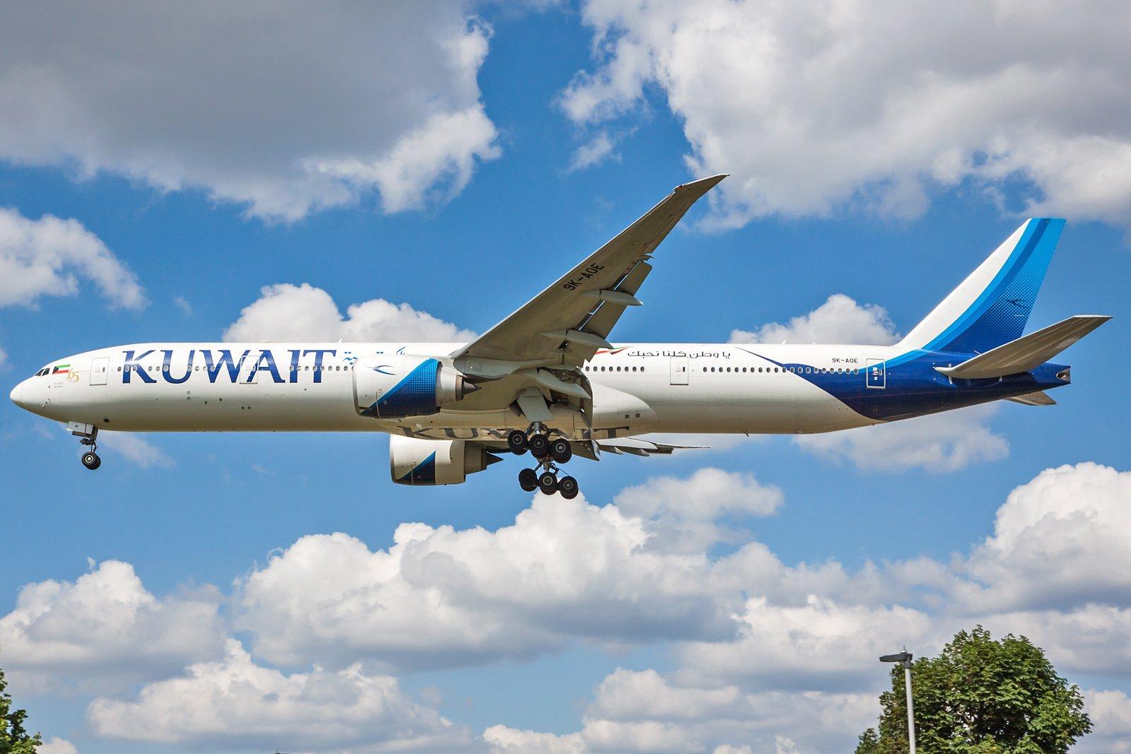 Kuwait Airways Boeing 777-369(ER) 9K-AOE