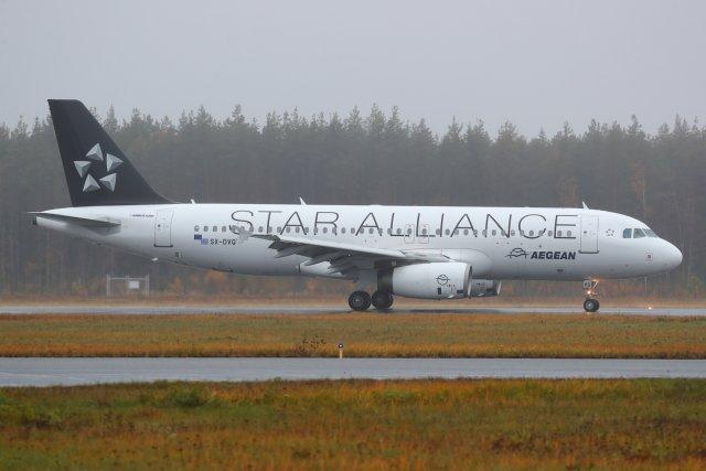SX-DVQ Aegean A320 siirtolentona Vaasasta 18.10.