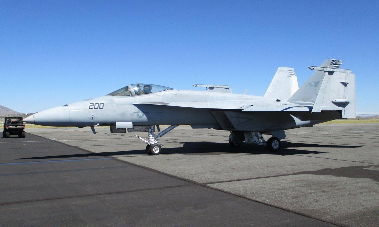 5dd4334d36192_F-18ESuperHornetVFA-122200IMG_2049c.thumb.jpg.4925661e0ceb97b5acd980fdc136c35d.jpg