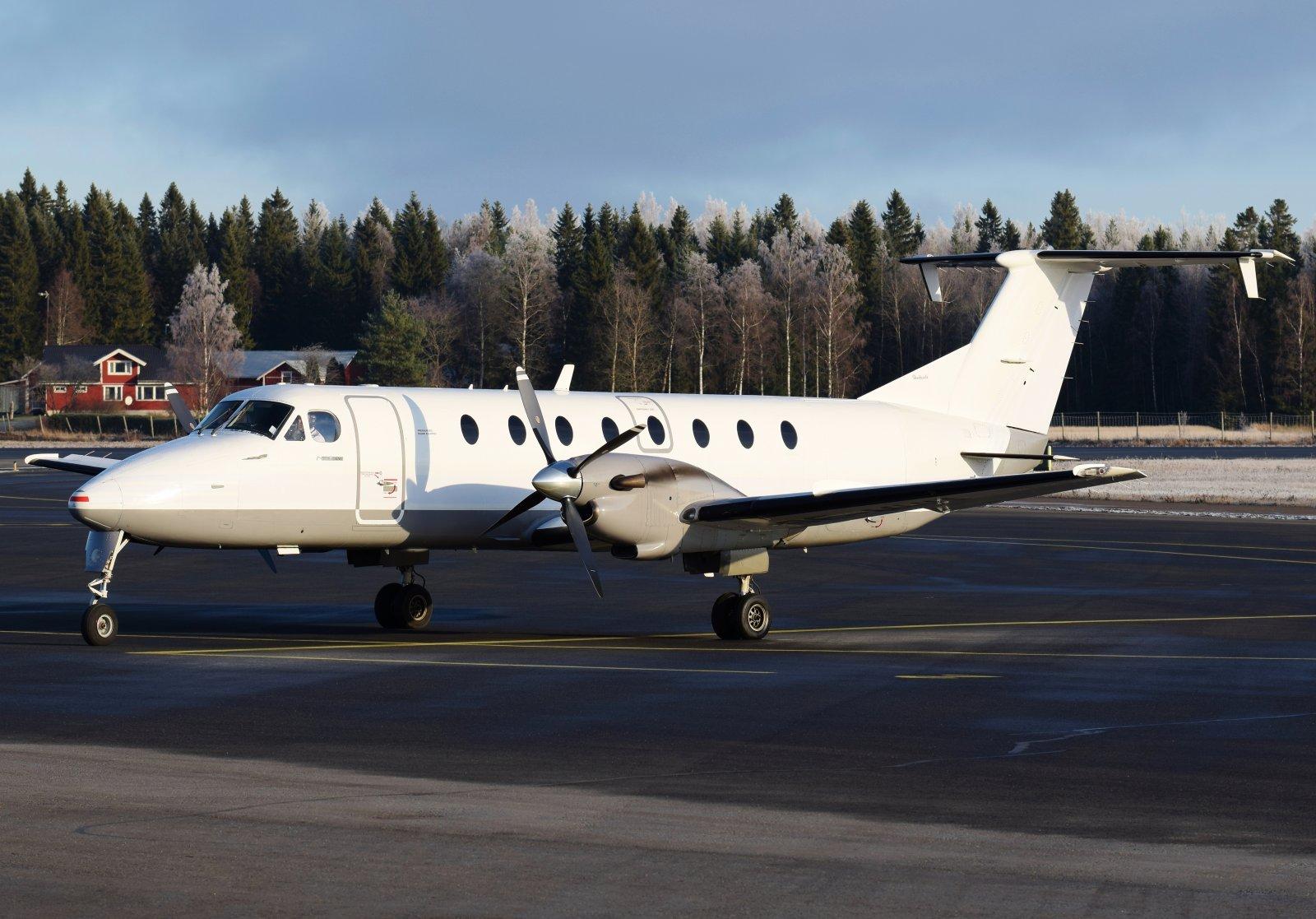 SE-MHU - Beechcraft 1900C - Jonair - 6.11.2019