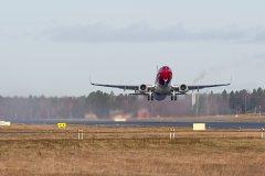 EI-FJY nousee kohti Helsinkiä
