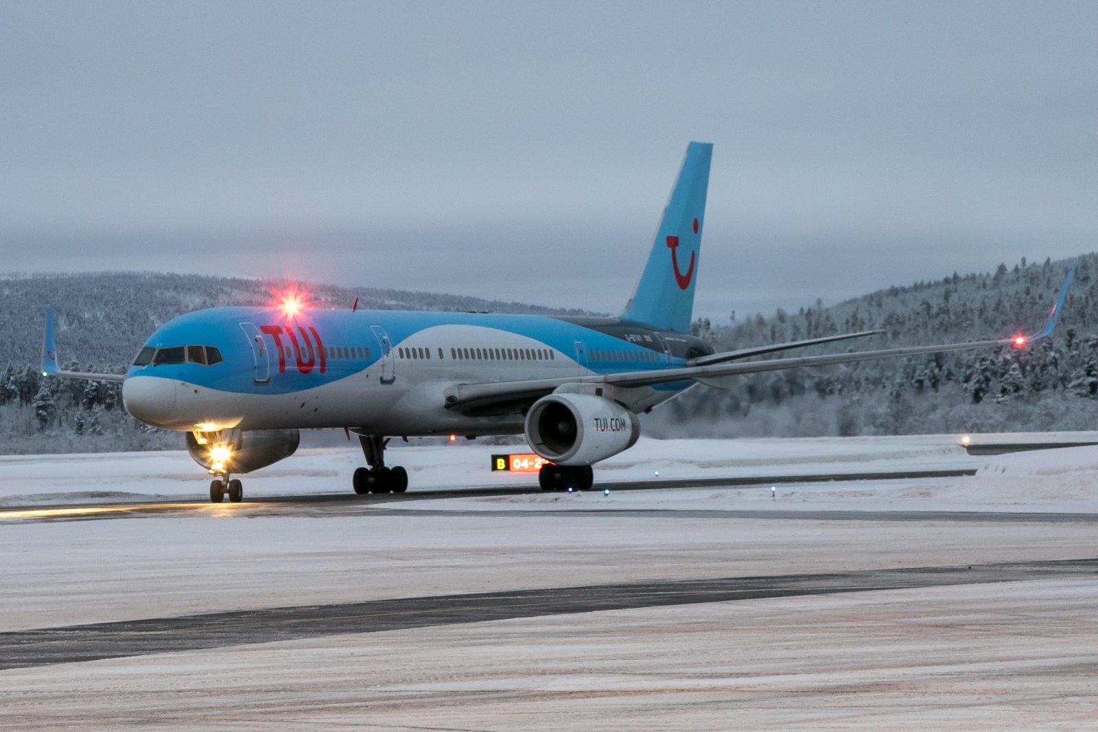 G-BYAY. 22.12.2019. Boeing 757-204(WL)