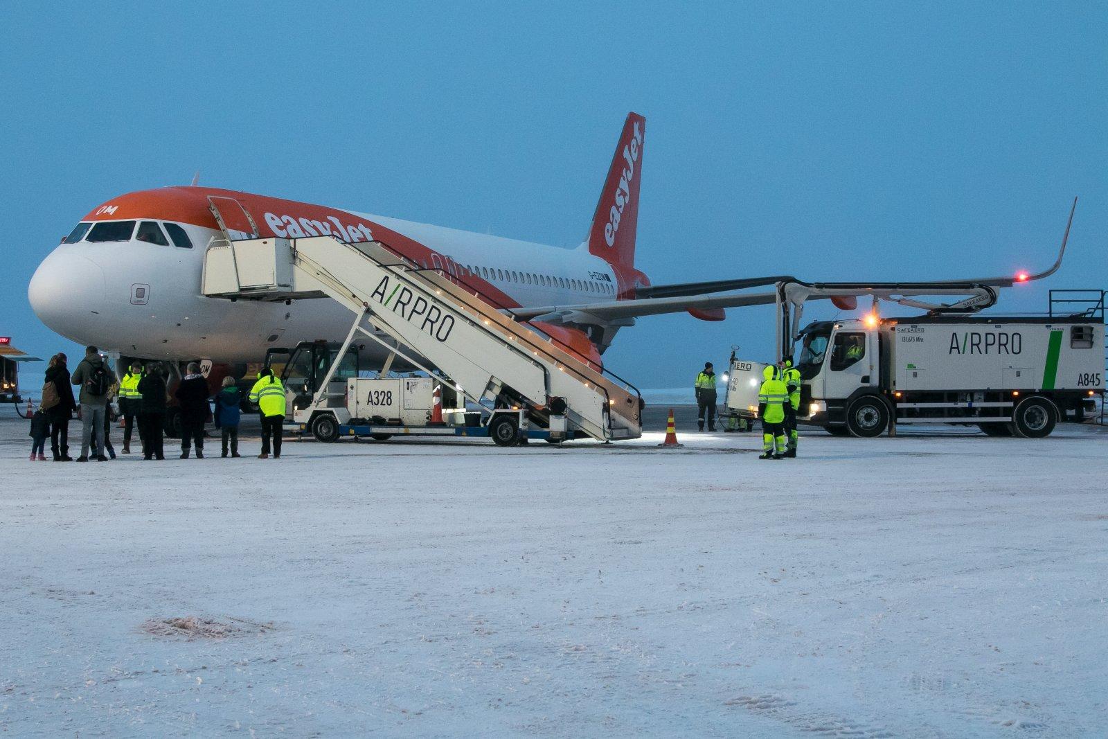 G-EZOM. 20.12.2019. Päivän easyJet, Airbus A320-214