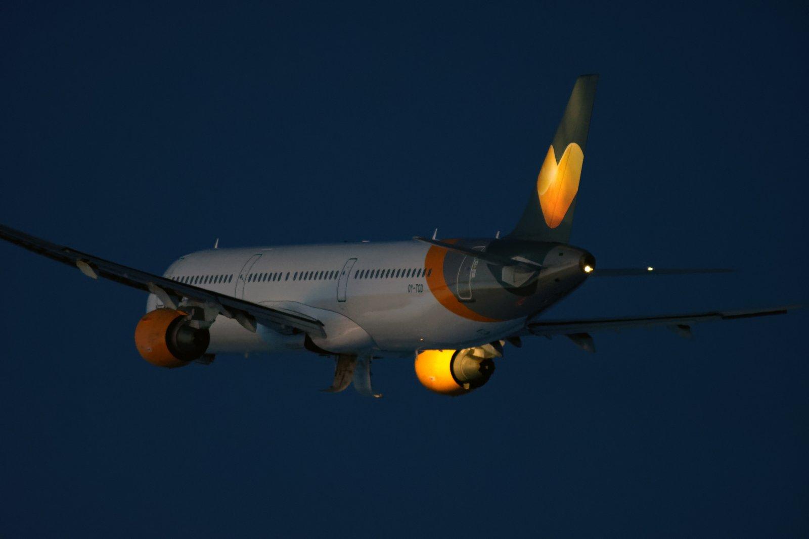 Palmasin-kone poistumassa OY-TCD
