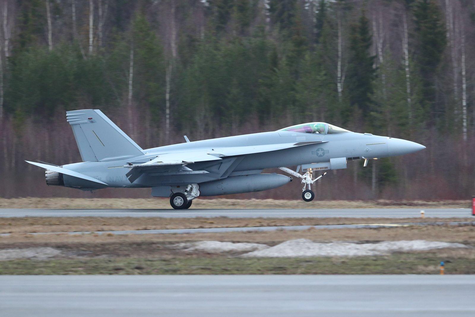 U.S.Navy Boeing F/A-18E Super Hornet 169742 EFTP 2020 02 18