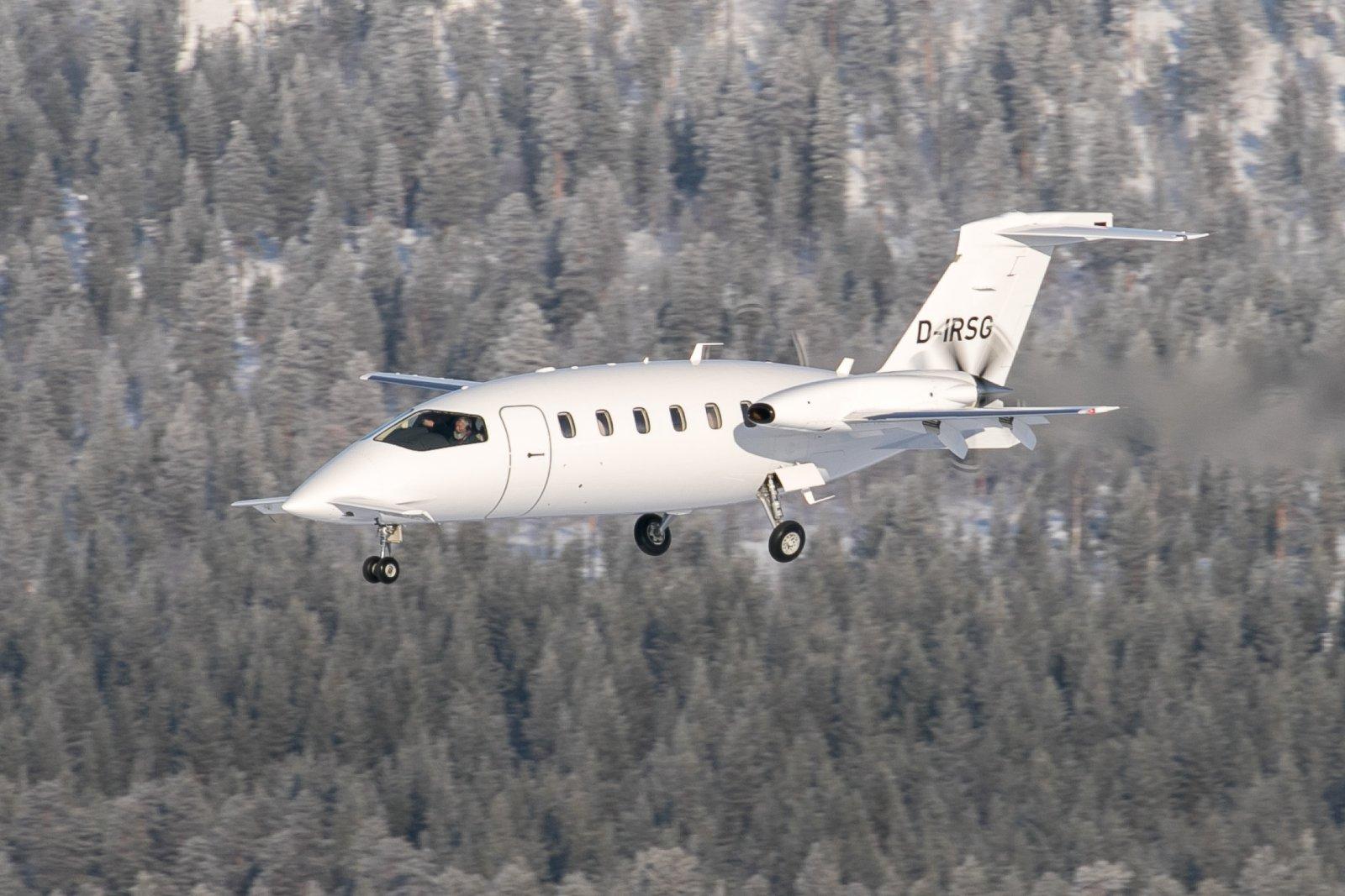 D-IRSG. 1.3.2020. Piaggio P-180 Avanti II