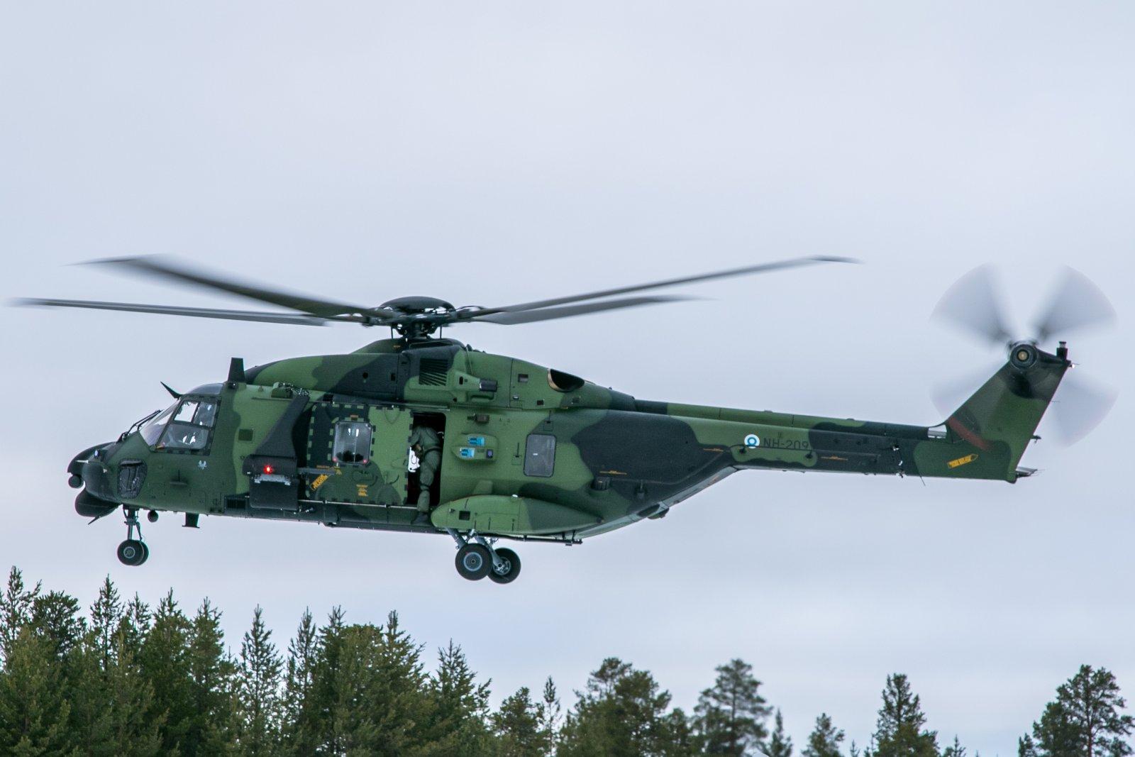 NH-209. 9.3.2020. Sotaväki harjoittelemassa.