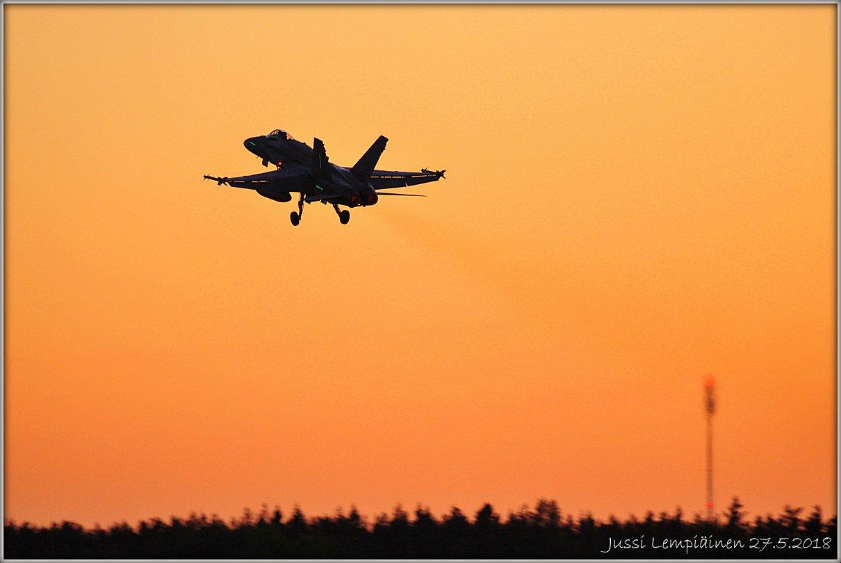 JL2_9488 Hornet HN-403 FiAF 1200x.jpg