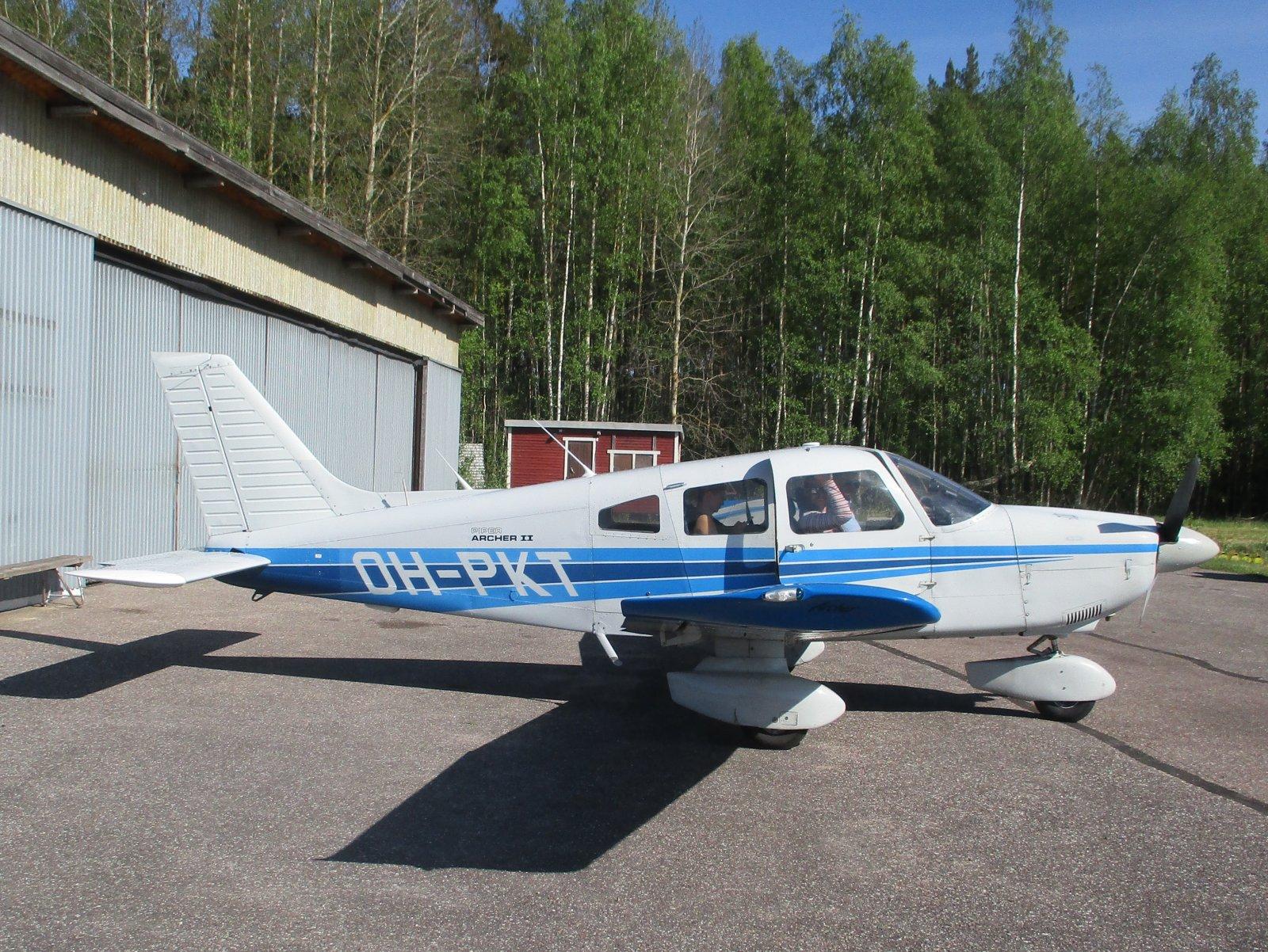 Piper PA28-181 Archer II OH-PKT EFHN 2020-05-30