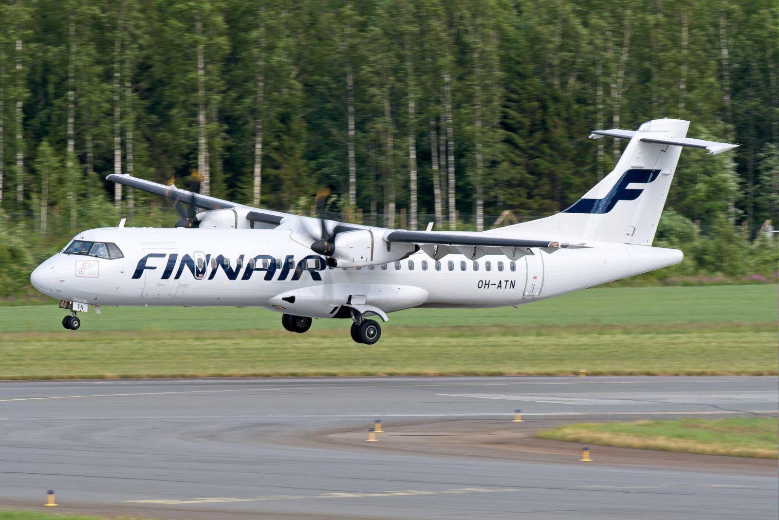 Ensimmäinen koronatauon jälkeinen reittilento Helsingistä Vaasaan