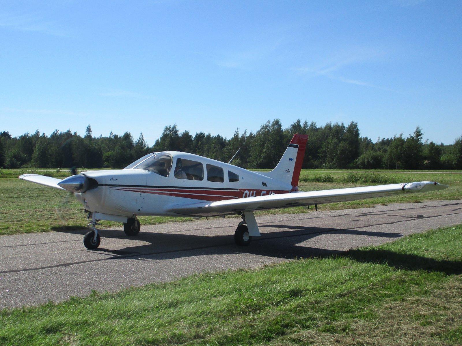 Piper PA-28R-201 Arrow OH-EJL EFHN 2020-08-07