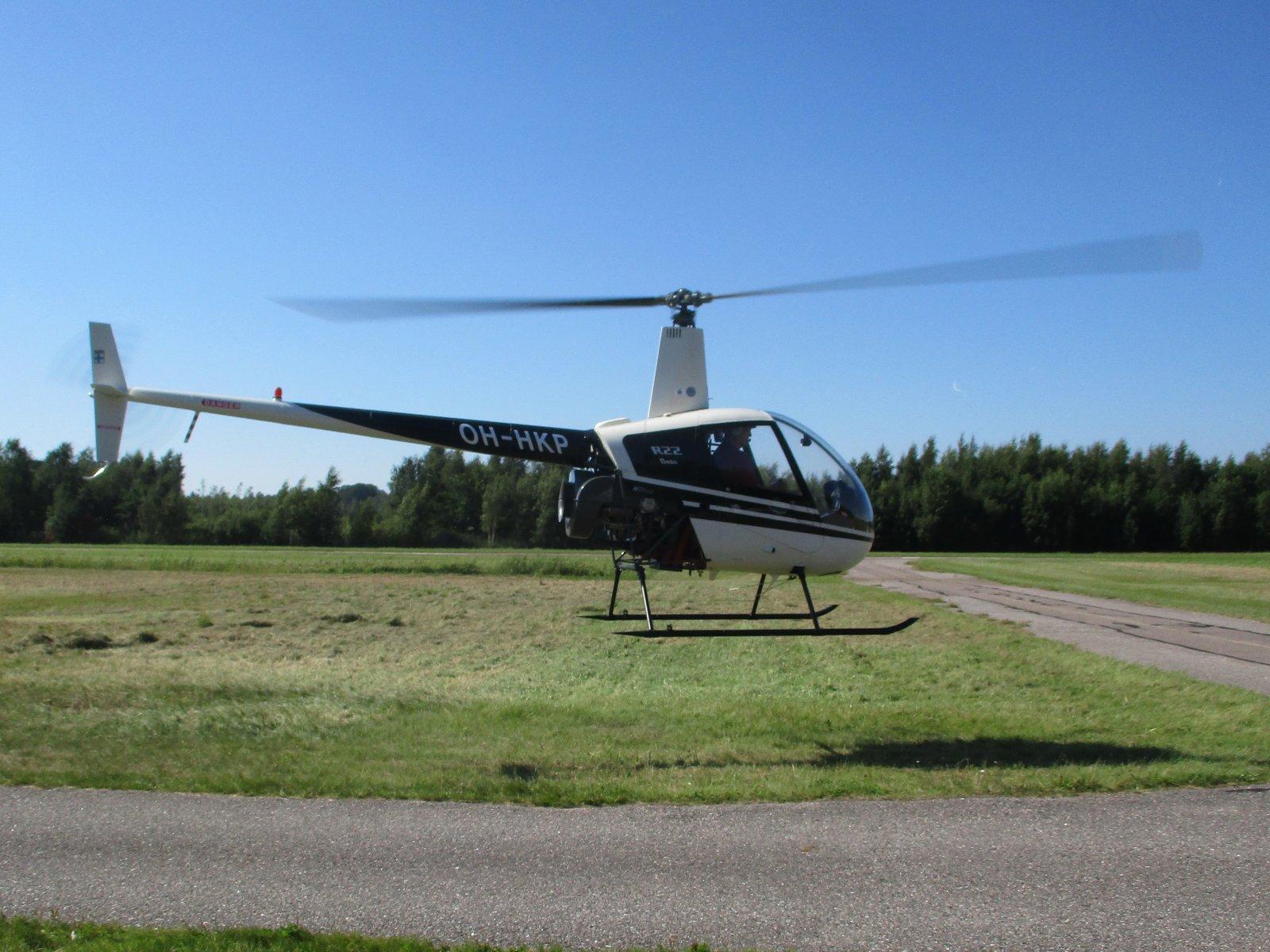 Robinson R22 Beta OH-HKP EFHN 2012-08-09