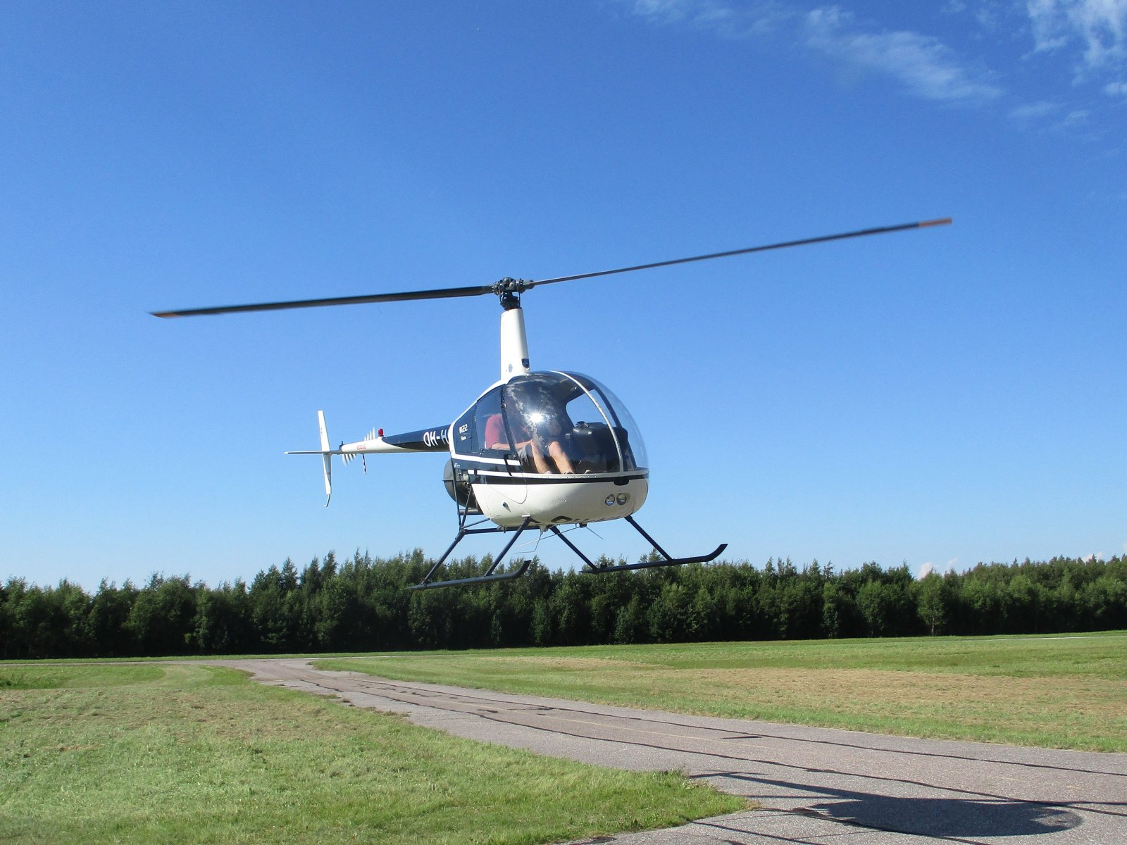 Robinson R22 Beta OH-HKP EFHN 2020-08-09