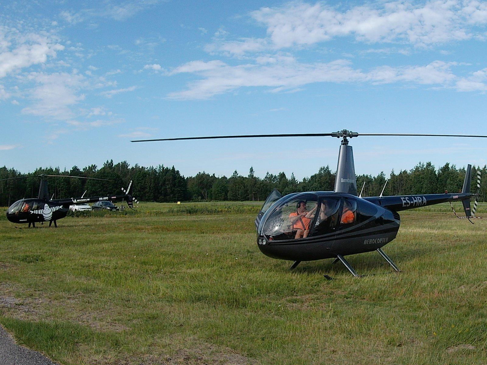 Robinson R44 Raven ES-HRA EFHN 2020-08-09