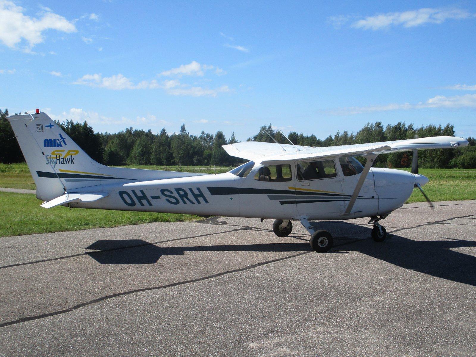 Cessna 172S Skyhawk SP OH-SRH EFHN 2020-08-17