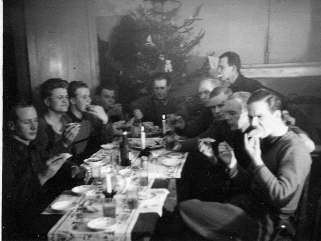 Karhu 488, joulu 1941 - crop.jpg