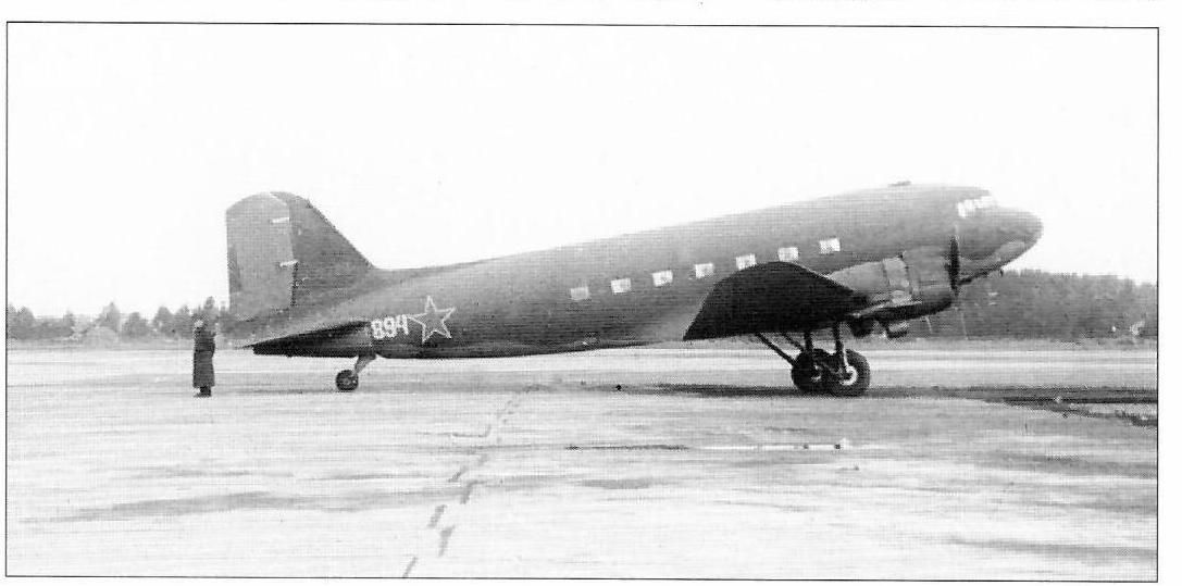 C-47 42-93211 , 894, Utti 20.9.1944 RS4.jpg