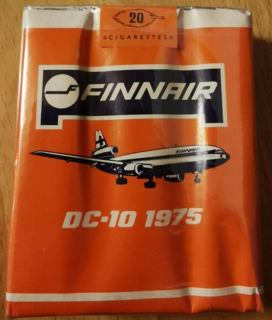 DC-10 smokes.jpg