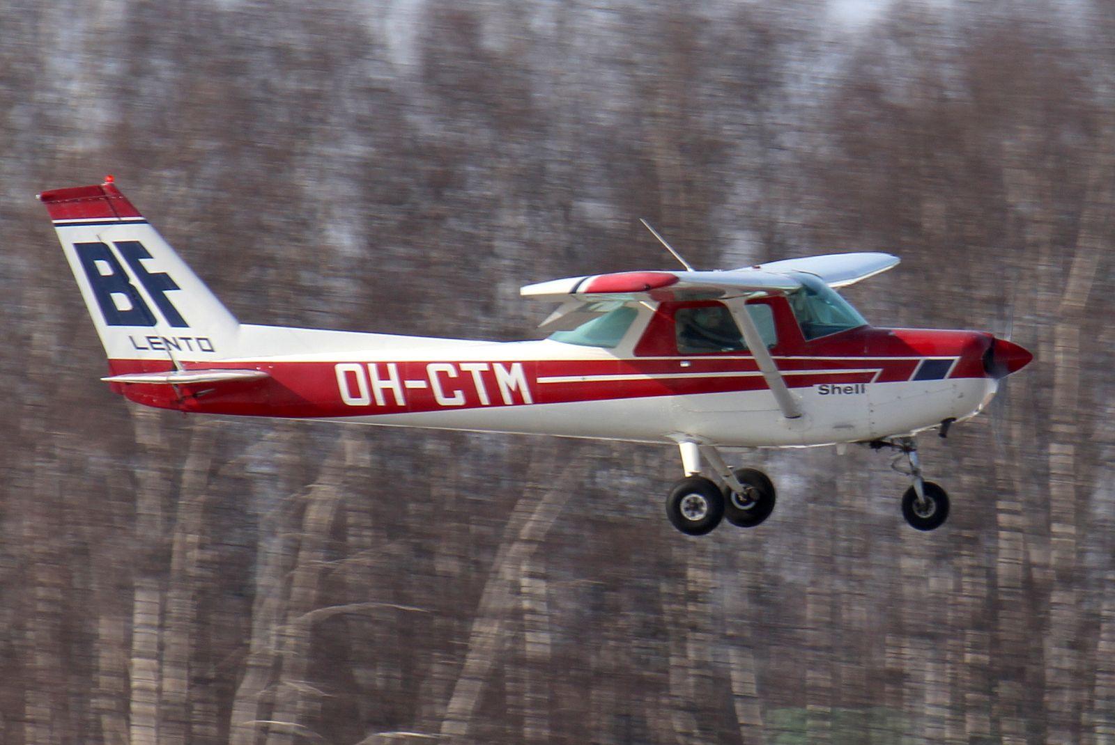BF-Lento Cessna 152 OH-CTM