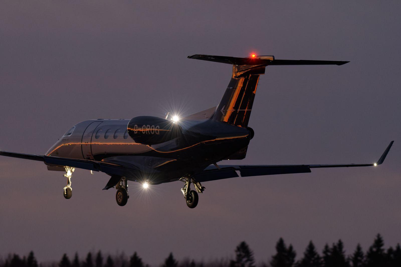 Embraer Phenom 300, D-CROG Vaasaan