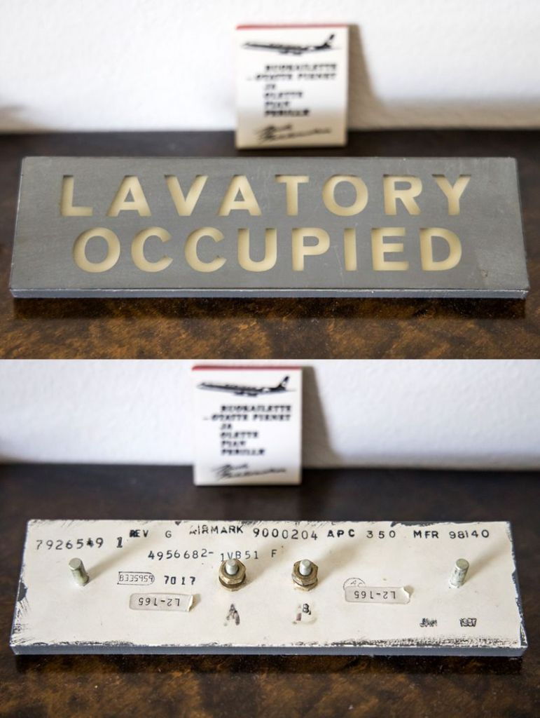 Lavatory-occupied.thumb.jpg.4b665dd5218abd22f92c3f0bd8fa9f94.jpg