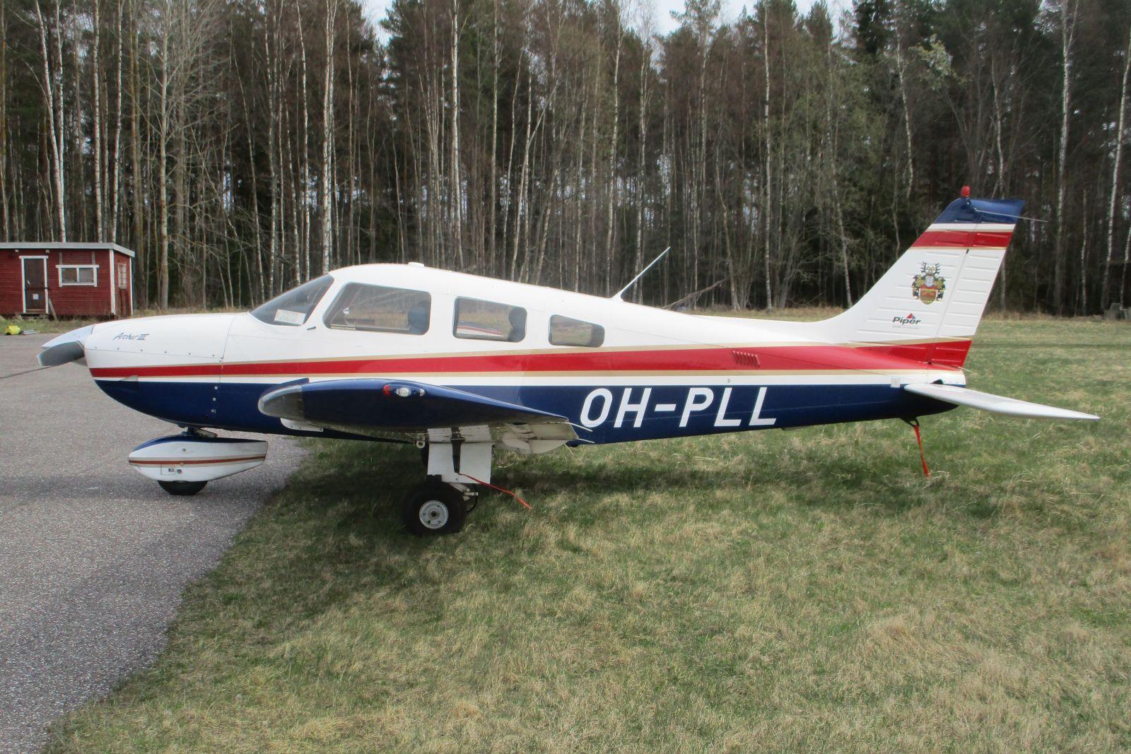 Piper PA-28-181 Archer III OH-PLL EFHN 2021-05-03