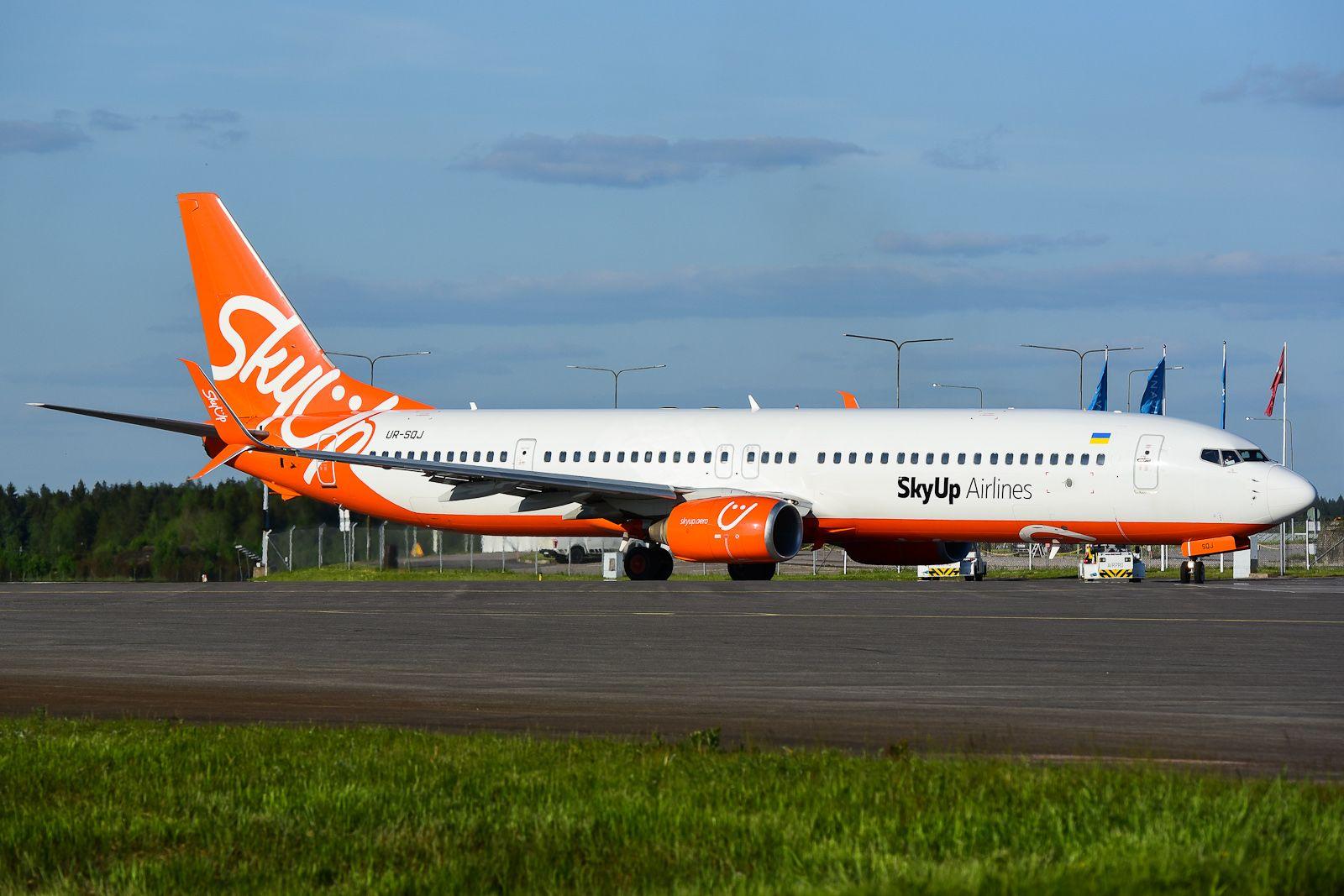 SkyUp Airlines UR-SQJ B737-900ER