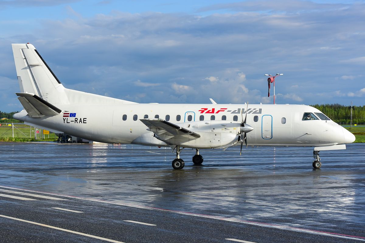 YL-RAE Saab 340
